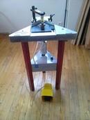 machine pour assembler les baguettes de cadre